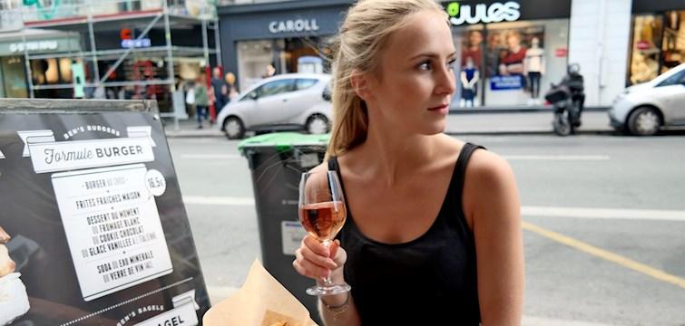 """Nouws assisterende redaktør Jennifer har været så sød at dele sine favorit spisesteder med os! Hun er bosat i Holstebro, og er derfor er mange af favoritterne at finde der, hvilket er en super guide for """"turister"""" eller andre som bor tæt på byen. Læs med her og bliv inspireret til dit næste brunch sted, kaffe spot og eller andet!"""