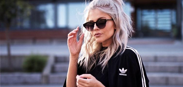 Hun er 21 år gammel, bor i Oslo, elsker mote og innrømmer i intervjuet at hun stiller enormt høye krav til seg selv. Ukens blogg her på Nouw er Anette Hovland.