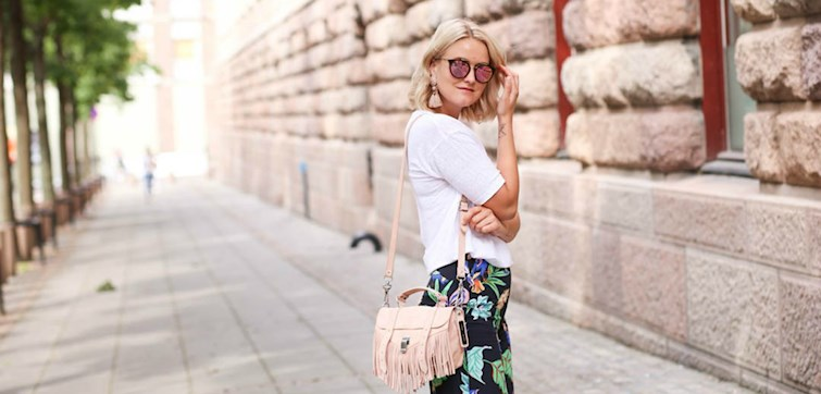 """Kaja er det man kan betegne som en blogg-veteran og har vært i """"gamet"""" i mange år. I tillegg har hun mye erfaring innen motebransjen, og har derfor opparbeidet mange tips hun deler med oss! Som hun selv sier: """"Stilen min kan være litt schizofren"""". Hva mer fikk vi vite når vi snakket med henne?"""