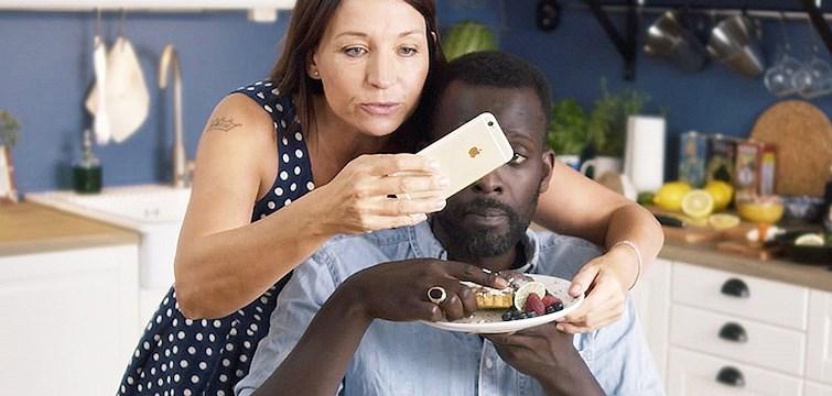 Varför är matbilder så populära på Instagram? Och varför vill vi visa upp det vi äter på sociala medier?