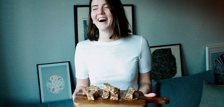 Denna veckans blogg är Agnes Jiseborn - en tjej med glädje i mat som inte ser livet i svart eller vitt. Vi intervjuade Agnes och fick höra hennes bästa tips i köket, hennes framtidsplaner och även hennes recept för en bra start på veckan!