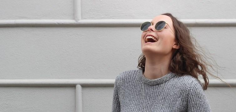 Veckans blogg är Ebba Wallstén som ger oss en massa fototips och en hel del inspiration för hemmet. Hon drömmer om att bo i en sekelskifteslägenhet i Köpenhamn och att få resa till ett varmt land. Häng med och läs hennes intervju här!