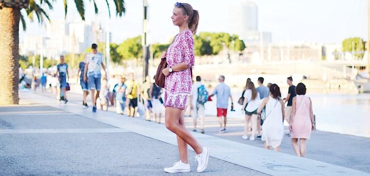 Hon är en målinriktad tjej som älskar att fota och har på senaste blivit väldigt intresserad av kost då hon drabbats av diabetes typ 1. I hennes blogg får ni se mycket vackra foton och fina texter. Veckans blogg här på Nouw är Elin Johansson.