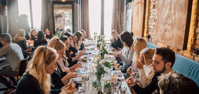 Under Nouws lanseringsevent i Warsawa i helgen fick bloggarna uppleva ett flertal goda måltider i vackra lokaler. Sista dagen var då inte sämre än den första - då det bjöds det på en maffig & fräsch brunch på trendiga Momu!