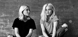 Hör Olivia och Alva podda live i Åre