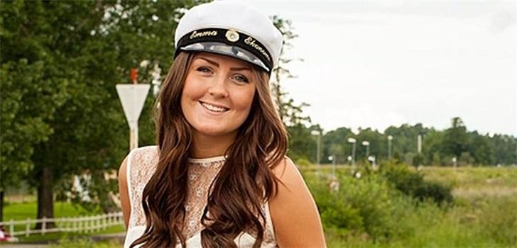 Hon bloggar inte om sitt kärleksliv, däremot om mode och kläder. Lakrits är poppis men inte skvallerbloggar. Tjejen bakom Veckans blogg här på Nattstad är 19-åriga Emma Fredriksson.
