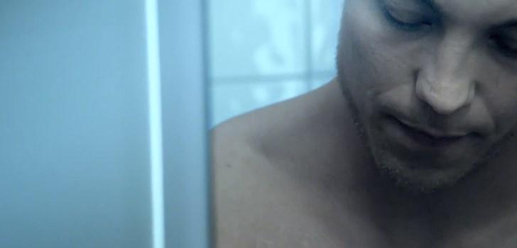 I fyra dokumentära kortfilmer pratar fyra killar om sex, relationer och kondomer på ett helt ärligt sätt