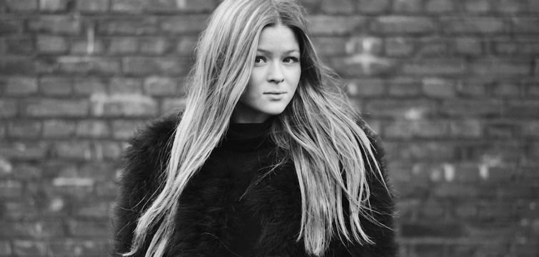Hon älskar att fota, bor i Kungsbacka och tycker att man ska läsa hennes blogg för att inspireras. Veckans blogg här på Nouw är Madicken Nilsson.
