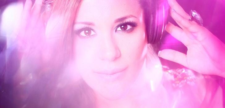 Hon är aktuell i tävlingen Miss DJ Competition 2012 och säger att musik alltid har varit hennes passion. Nu på lördag intar Dj Miss Tee dj-båset på Apartment No. 4 i Göteborg. Missa inte!