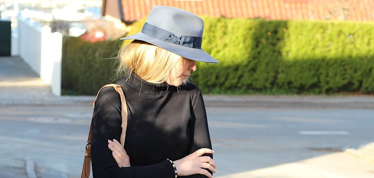 Denna veckans blogg är härliga Olivia Paulsson som älskar mode och drömmer om en lägenhet i Stockholm. På hennes blogg hittar du många härliga detaljbilder och snygga inspirationsbilder. Häng med och lär känna Olivia!
