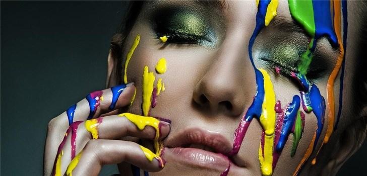 Påsk, ljus och färg. Det finns verkligen ingen anledningen att inte klä sig lite crazy i vår!