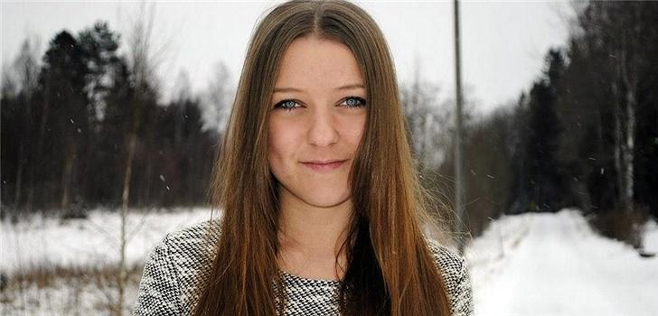 Hon har medverkat i TV3:s Tonårsbossen och gillar att göra parodivideos på Youtube. Tjejen bakom Veckans blogg här på Nattstad är 17-åriga Linn.