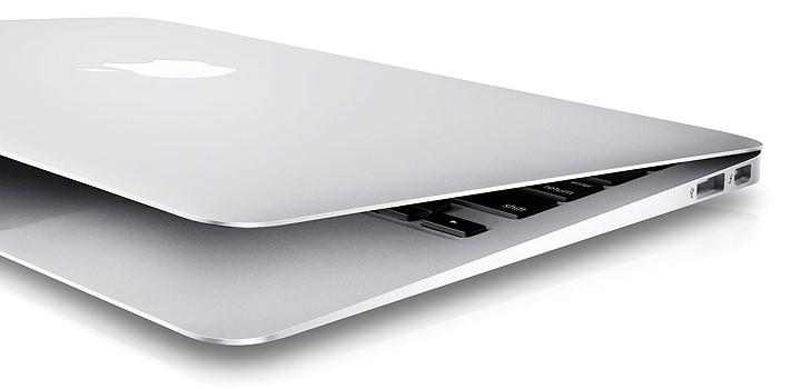Alla som har en blogg (eller skaffar en) på Nattstad kan vara med o tävla om nya Macbook Air