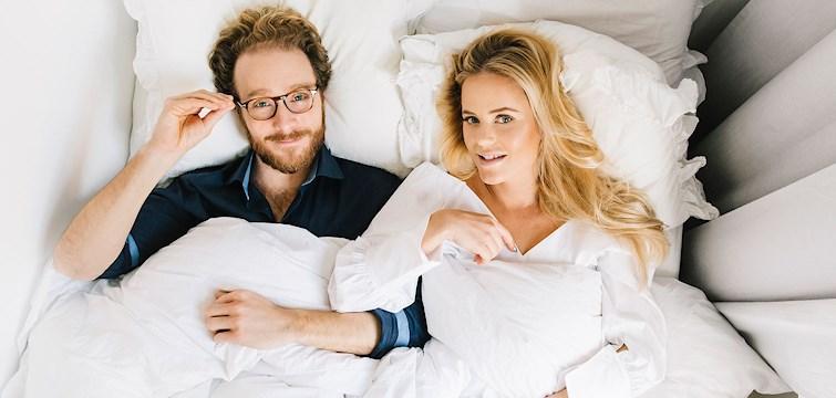 I avsnitt två av Sovmorgonpodden pratar duon Joanna Fingal och Gustaf Brickman om Joannas tinderdejt, (!!!!) Gustaf avslöjar sin konstiga, men ändå väldigt fina morgonvana samt allt annat hobby psykologsnack där emellan. Lyssna, det blir kul!