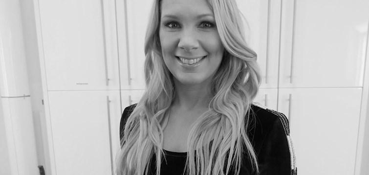 Idag möter O-podden sportjournalisten och programledaren Anna Brolin. De pratar bland annat om skönhetsideal och sociala mediers påverkan. Missa inte!