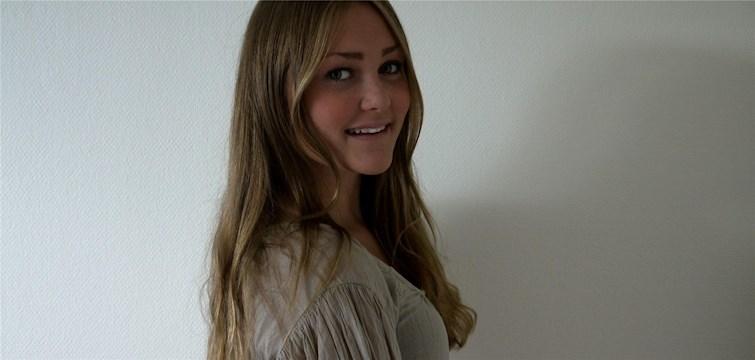 Hon pluggar ekonomi, spelar handboll och älskar vitt och rosa. Tjejen bakom Veckans blogg här på Nattstad heter Ellen Grehag.