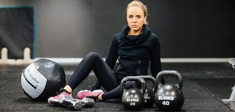 Hur tränar man sig egentligen till de där tonade och snygga musklerna? Nouws träningsexpert Therese Svensson guidar oss till hur du får fram de där efterfrågade musklerna.