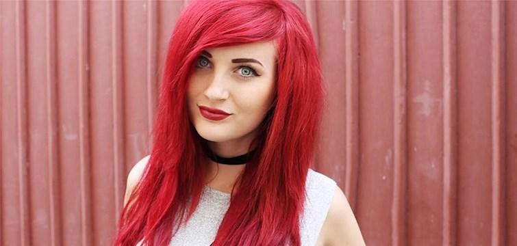 Hon älskar godis, tatueringar och katter - och hatar bantning, skönhetsideal och provokation. Tjejen bakom Veckans blogg här på Nattstad är 19-åriga Elvira.