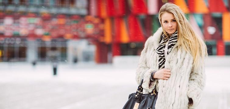 Hon beskriver sin blogg som en öppen dagbok - med en blandning av mode och träning. Tjejen bakom Veckans blogg här på Nattstad är Emma Söderström från Göteborg.