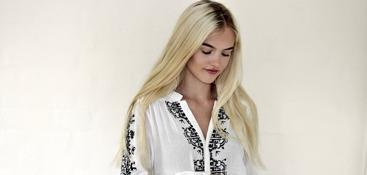 Denne uges blogger er Amalia Lauritsen. Hun har en stor passion og interesse for mode og design. På bloggen vil vi komme til at læse om hendes tanker, skønhedstips samt inspiration indenfor modeverdenen.