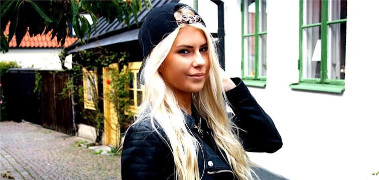 Hon bloggar om sitt nya liv i Australien, är mobilberoende och inspireras av Angelica Blick. Tjejen bakom Veckans blogg här på Nattstad är den snart 20-åriga Alexandra Sahlén.