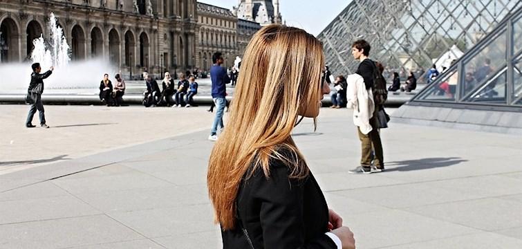 Nattstads Neda Sadejou besöker kärlekens stad - Paris - under en weekend. Hon tipsar dig om vilka ställen man kan besöka, var man kan äta, hur man kan ta sig runt & vilka shoppinggator du bokstavligt talat kommer drägla över. Läs och njut.