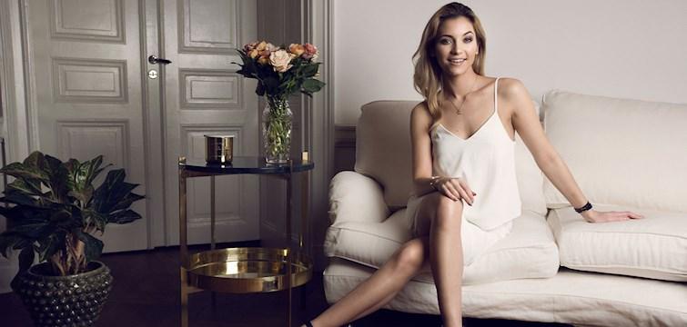 Michaela Forni driver en av Sveriges främsta livsstilsbloggar och jobbar som Profile manager på Modern Women Media samt att hon älskar att ha många bollar i luften. Men hur får hon allt att gå ihop och vad har hon för tips för att lyckas? - Vi vet!