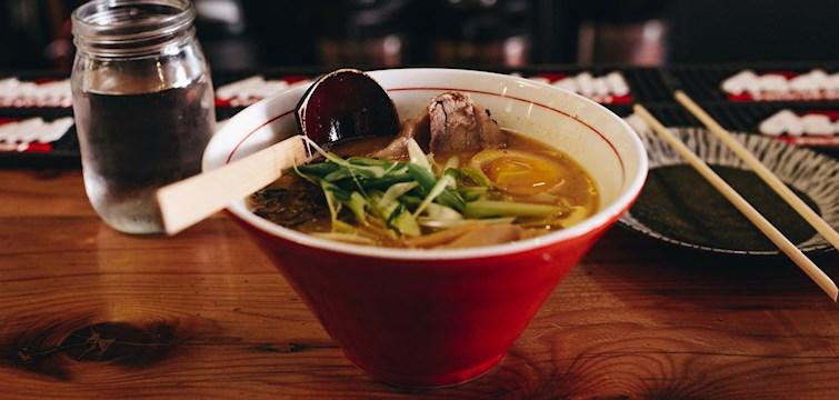 Co najlepiej rozgrzewa zimą? Ciepła zupa! Groszkowa, marchewkowa, ziemniaczana... Którą wybieracie?