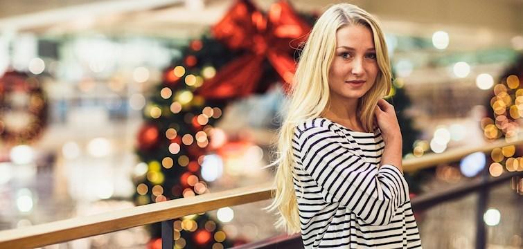 Det började som en modeblogg men har under tiden utvecklats till något mer. Hennes huvudtanke med bloggen är att hon vill sprida energi och glädje i vardagen. Veckans blogg här på Nouw är 21-åriga Elvira Jonsson.