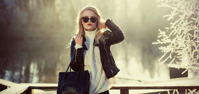 Hun jobber som journalist og tekstforfatter, brenner for mote og synes bildene er det viktigste på en blogg. Ukens blogg her på Nattstad er 23-årige Astrid fra Norge.
