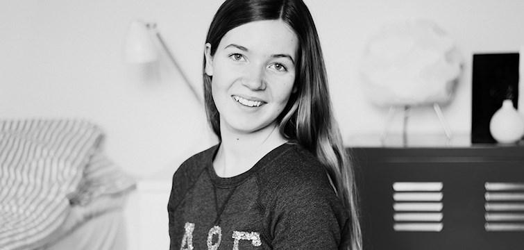 Veckans blogg denna vecka är fototjejen Alicia. Hon driver en blogg med inspirerande foton där hon även delar med sig av en hel del tips till den som vill lära sig fota. Läs en hel intervju med henne här nedan!