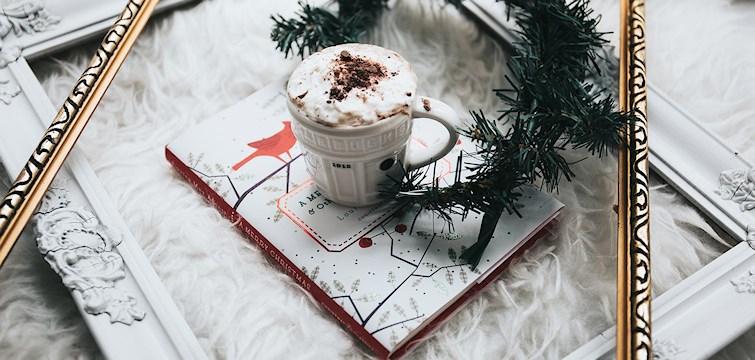 """Co najlepiej tworzy świąteczny nastrój? Muzyka! Jedni nie wyobrażają sobie świąt bez kolęd, a inni bez """"Last Christmas"""". Sprawdźcie moją TOP listę!"""