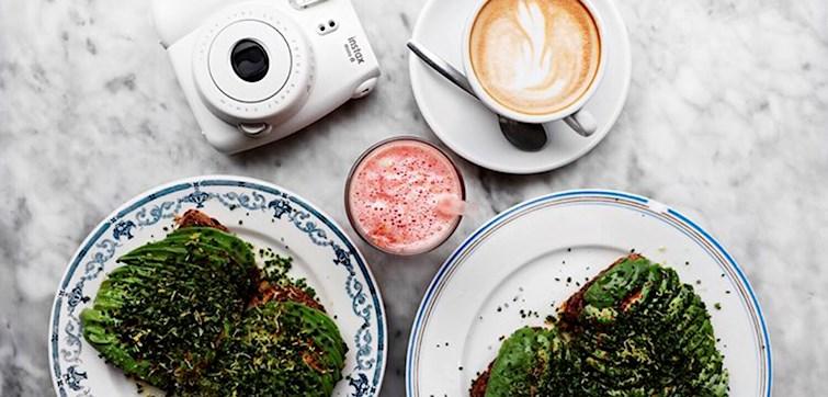 Vi har i denne uge spurgt ind til Melissas madvaner og yndlingsspisesteder. Hun er bestemt ikke fan af morgenmad, men vi er nu også ret vilde med hendes alternativ - som hun iøvrigt gerne spiser døgnet rundt. Læs med her og bliv inspireret.