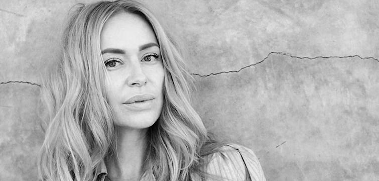 Idag är det premiär för O-podden, en oretuscherad  podcast som drivs av svenska Jennifer Kovacs, bloggare på Nouw som reser världen runt för att prata med kändisar om allt som rör livet.