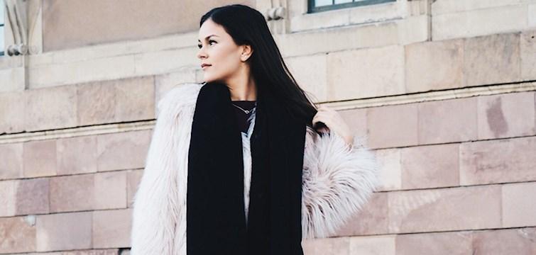 Veckans blogg är Rebecca Svensson. En glad tjej med många bollar i luften som drömmer om att åka ut och resa snart. I hennes blogg kommer ni att få läsa om skönhet, mode och vardagliga saker.