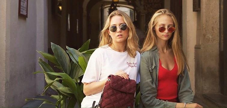 I denne uge har vi fået lov til at snage i pigerne fra CPHVIBES garderobe. Pigerne har en super cool stil og fortæller lidt om deres yndlings items og om de helst shopper online eller i butik. Læs med her og bliv inspisreret.