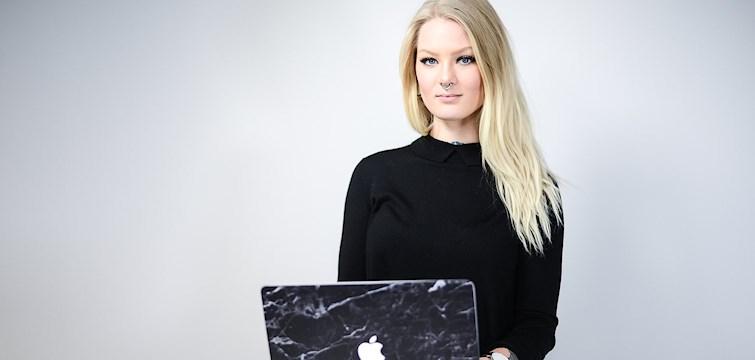 Nouw har tillsammans med bloggaren och youtubern Katrin Berndt spelat in fyra olika filmer för att guida er igenom Nouw. Idag visar vi er hur man designar sin blogg!