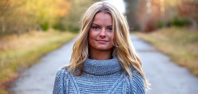 Hon är en glad och sprallig tjej som bloggar om allt ifrån mode till hennes tuffa kamp med anorexia. Hon vill med hjälp av sin blogg inspirera och stötta andra. Veckans blogg här på Nouw är Elin Pettersson.