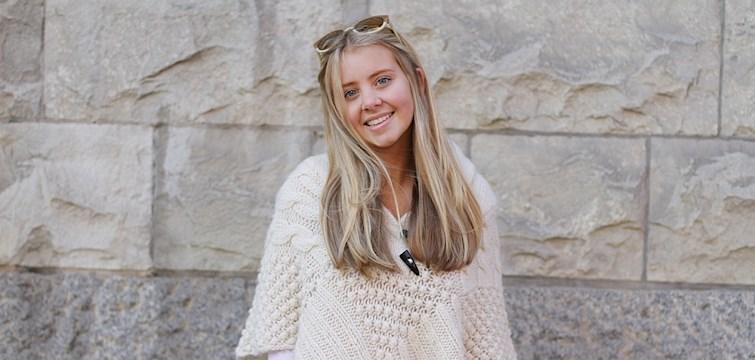 Hon bor i Stockholm, drömmer om att resa efter gymnasiet och älskar att inspirera. Veckans blogg här på Nouw är Emma Friman!