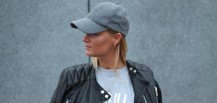 Denne uges blogger er stilsikre Kristina Kragh, der inspirerer med hendes rå outfits! I interviewet deler hun sit hemmelige talent med os og fortæller hvad vi kan forvente at læse på hendes blog den kommende tid. Læs med og lær Kristina lidt bedre at kende!