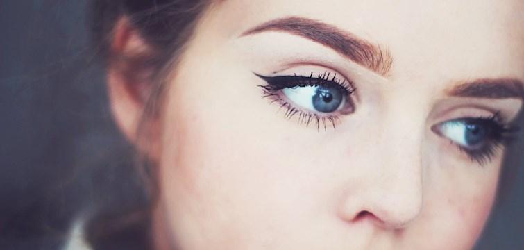 Aldri før har det vært så stort fokus på øyenbryn som det er idag. I denne repotarsjen viser blogger Albertine hvordan hun sminker bynene sine!