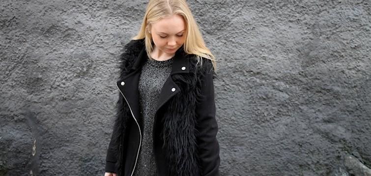 Hon är en driven tjej, hatar mörker och tycker att man ska besöka hennes blogg för att den är som en mixad godispåse. Veckans blogg här på Nouw är Caroline Blomberg.
