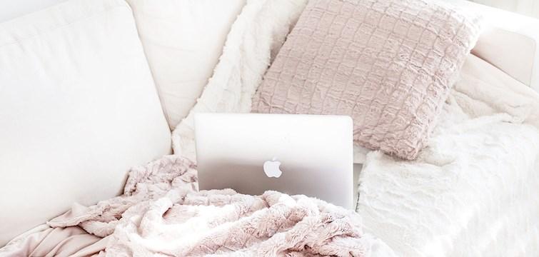 Är du sugen på att gosa in dig i en varm filt och kika på härliga klassiker på Netflix? Kika in här och få filmtips inför myskvällen!
