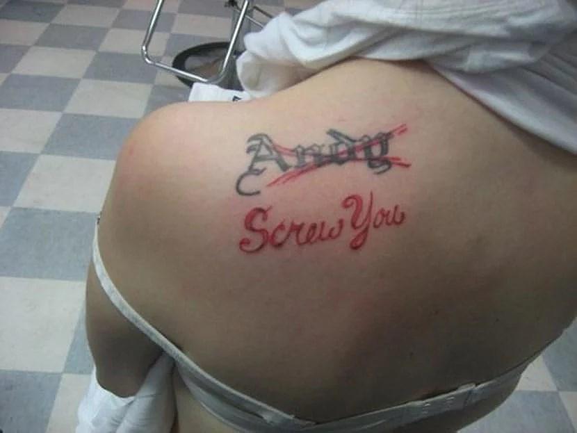 Tatuera in sin partners namn?