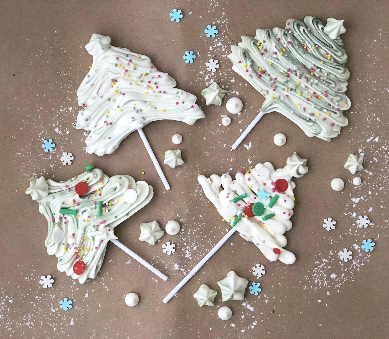 Christmastrees of meringue
