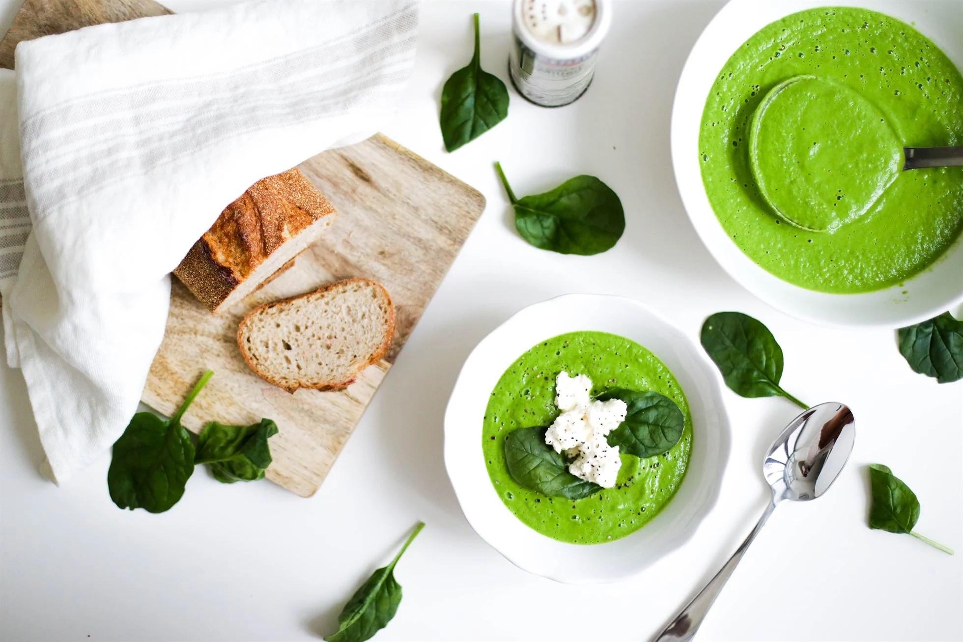 SUPER EASY, SUPER HEALTHY BROCCOLI & SPINACH SOUP WITH FETA MIX