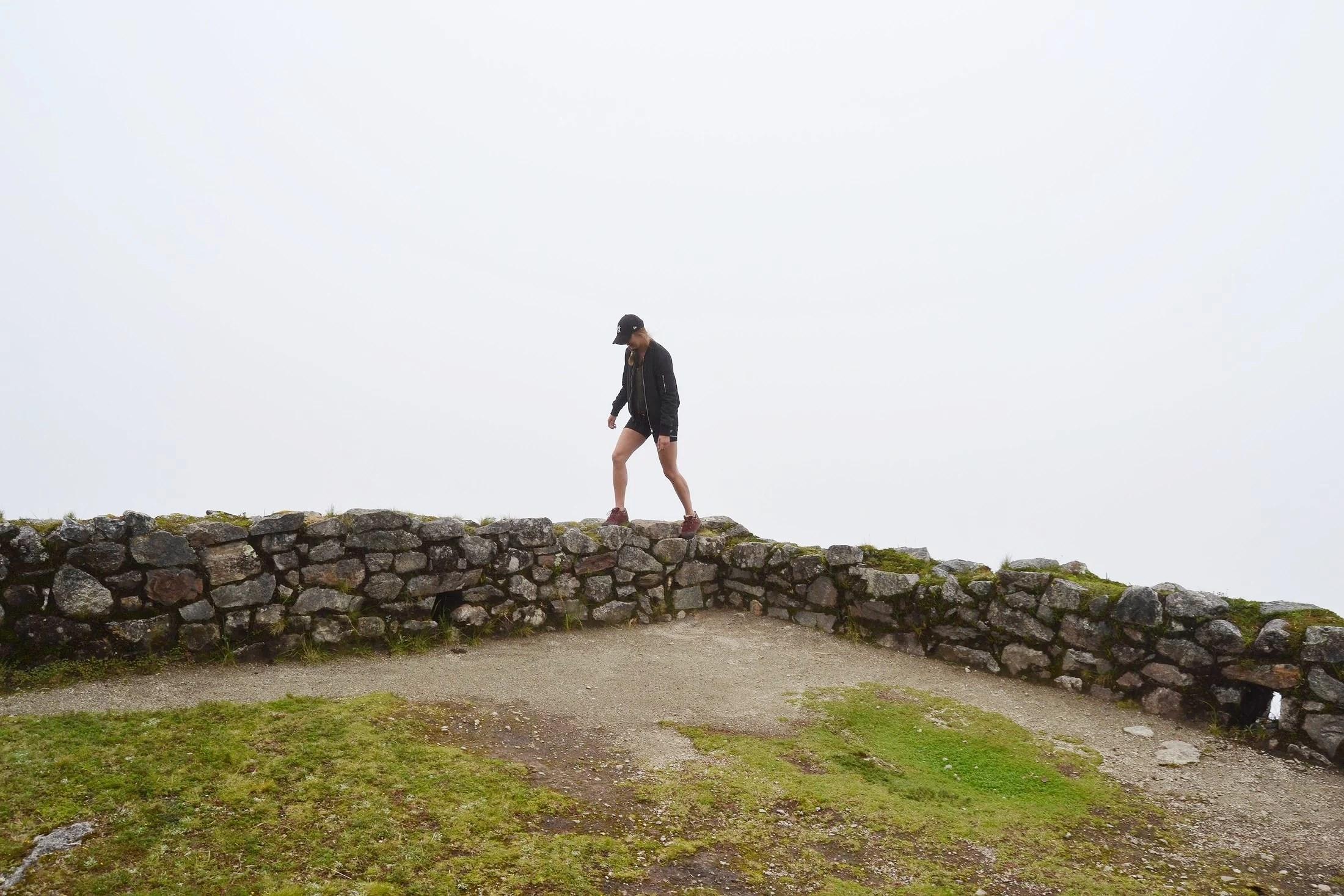 Walking on an edge