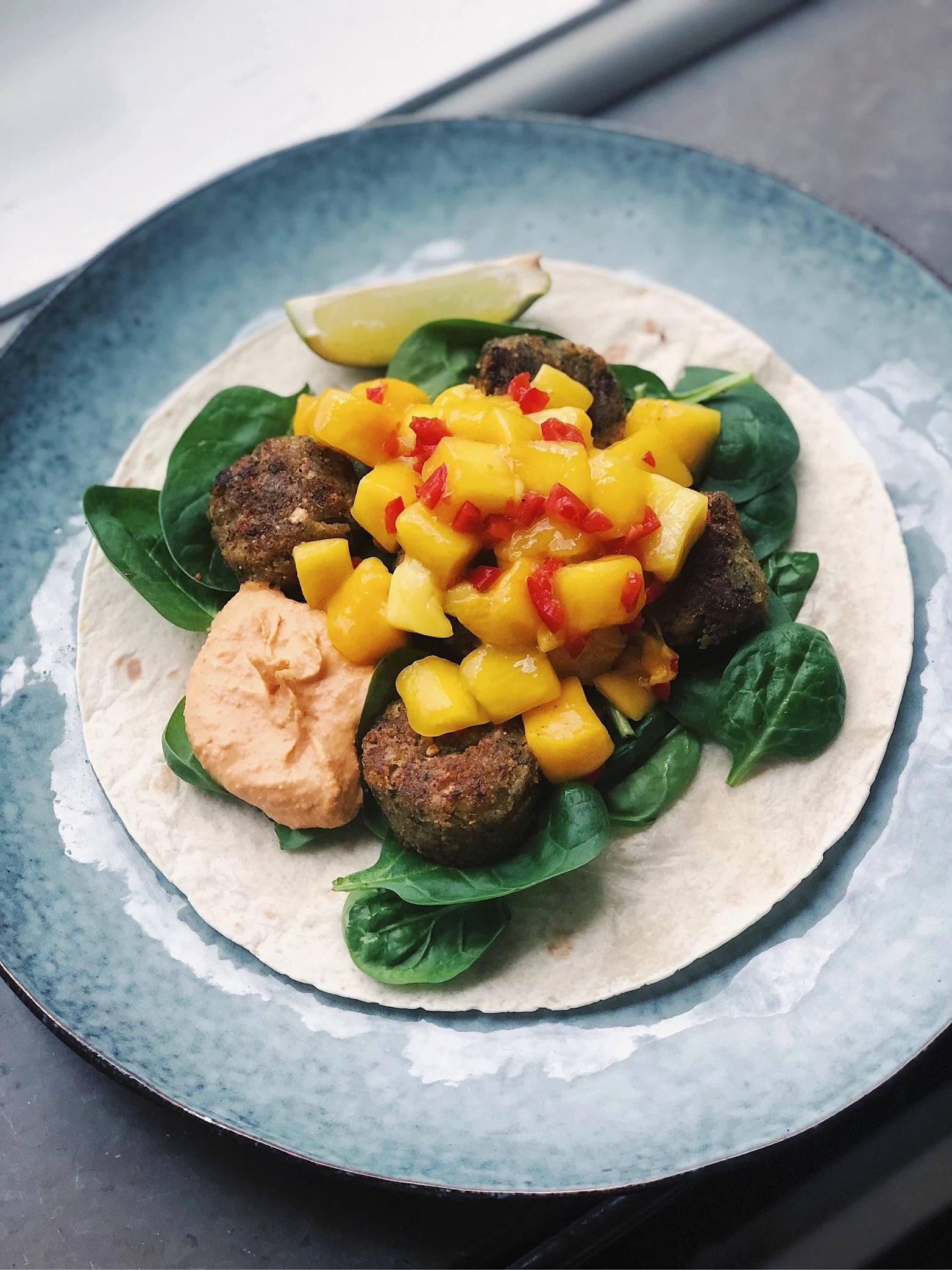 Tacofalafel med mangosalsa & chilihummus