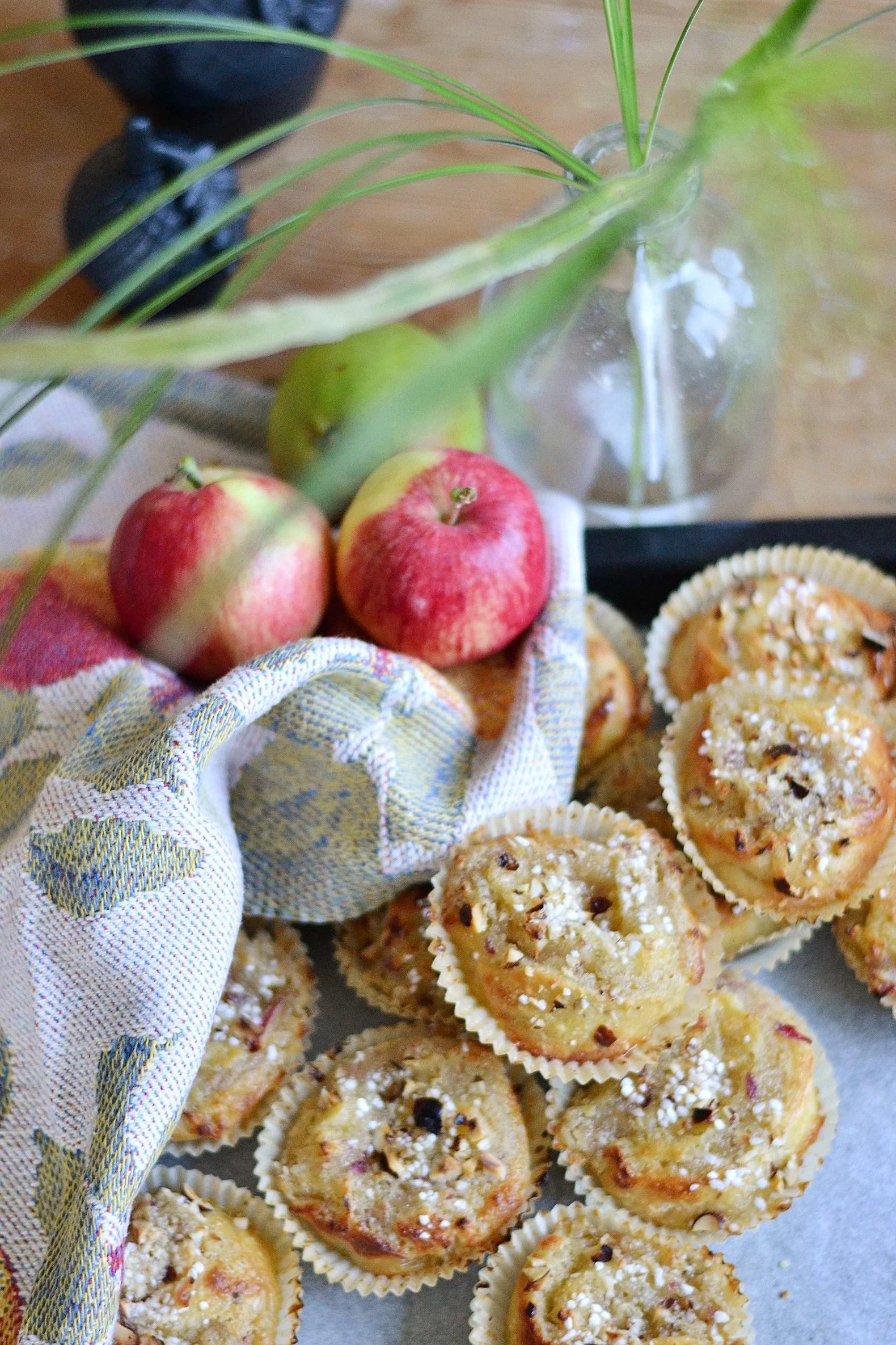Enkla äppelbullar