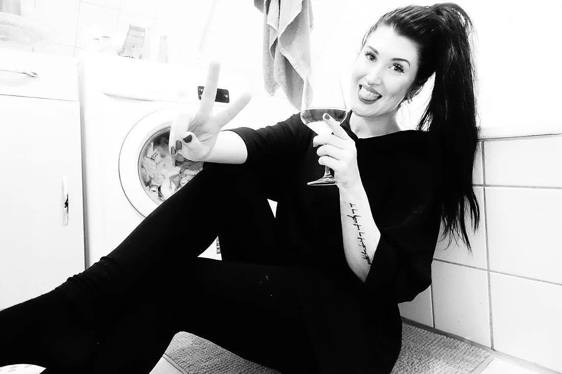 Bathroom Selfies #2